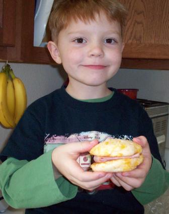 braden-biscuit-sandwich.jpg